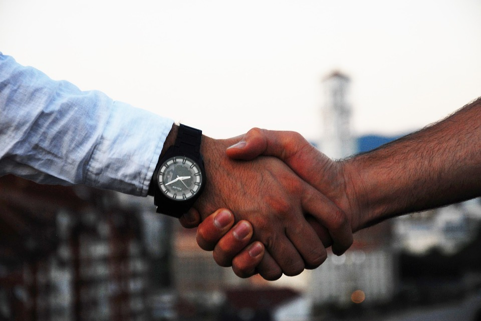 https://pixabay.com/en/handshake-business-hand-agreement-1513228/